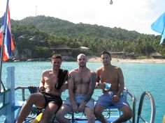 We are a PADI Career Development Centre and conduct all PADI courses from Try Dives, initial Open Water to Divemaster level courses.  At Czone Diver School of Diving we offer high quality scuba instruction from entry level course through to divemaster level training.  We pride ourselves on the standard of excellence we set and the exceptional service we provide. http://www.divingdivers.com/2016/01/why-choose-czone-diver.html