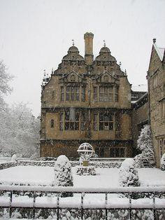 Snowy Day, Oxford, England  photo via theduchess