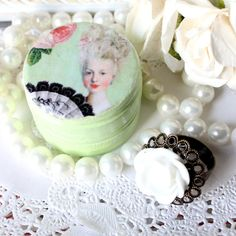 Marie Antoinette Cottage Chic Ring Box with by thecottagemarket, $5.00