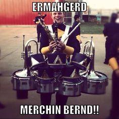 Deranged band nerd lol😂 Still seems like Casey Band Nerd, Band Puns, Band Jokes, Nerd Geek, Marching Band Problems, Marching Band Memes, Flute Problems, Music Jokes, Music Humor