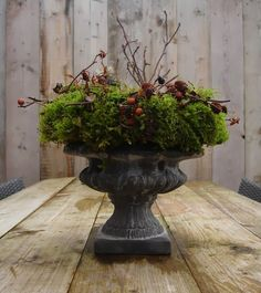 Maison Louise: tough with a touch of romance, Woodland Christmas, Rustic Christmas, Christmas Home, Xmas Decorations, Flower Decorations, Seasonal Decor, Fall Decor, Moss Decor, Winter Planter