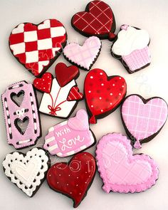 Valentine's Day cookies@Helen Bakie what about theses one for our v baking?;)