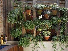 Insanely Creative Vertical Garden Ideas (31)