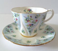 Hey, I found this really awesome Etsy listing at https://www.etsy.com/listing/464092433/reserved-for-s-royal-albert-debutant