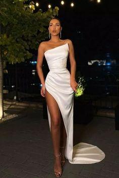 Stunning Prom Dresses, Split Prom Dresses, Pretty Prom Dresses, Glam Dresses, Strapless Dress Formal, White Formal Dresses, Sexy White Dress, Sexy Gown, White Satin Dress