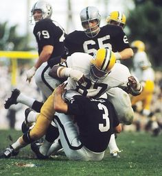 Green Bay Packers defensive end Willie Davis takes down Oakland Raiders quarterback Daryle Lamonica for a sack. The Packers' staunch defense limited the Raiders to 293 yards of offense in Green Bay's win. Nfl Football Teams, Packers Football, Football Photos, Football Helmets, Greenbay Packers, School Football, Football Season, Raiders Players, Skinny