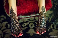 Mehendi Designs - Bridal Feet Mehendi Design with Peacock Caricatures