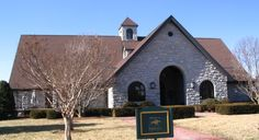 Today's field trip was to the famed Keeneland Library in Lexington, KY. The current building was built on the same property as the race track in the summer of 2002.…