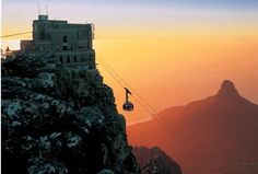 Miss the beautiful Cape! Loved Cape Town hated the gondola up to Table Mountain! Places To Travel, Places To See, Cape Town Holidays, Table Mountain Cape Town, African Holidays, Mountain Sunset, Cape Town South Africa, Most Beautiful Cities, Beautiful Scenery