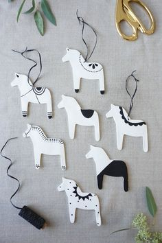 DIY Clay Dala Horse Ornaments - Nice for beginners. Pain to match the real Dala Horse.