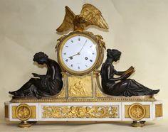 """Pendule en bronze doré et patiné,socle marbre blanc dite """"Aux Maréchaux"""" Ravrio bronzier circa 1785. #18thcentury. For sale on #Proantic by Galerie .Olivier d'Ythurbide et Associé"""
