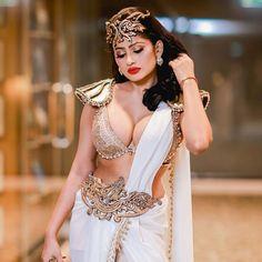 Sri Lankan actress model Piumi Hansamali latest photos in Saree