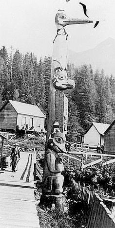A Tlingit totem pole in Ketchikan ca. 1901