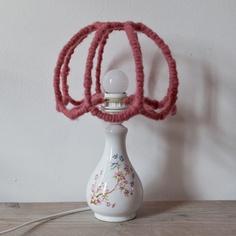 Lampje wol Roze het is gemaakt van wol