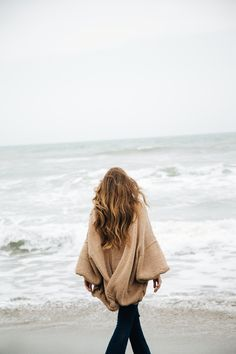 The real cardigan | get yours on wanderlustfactory.com  stripes beach winter sea ootd inspiration fashion basic easy outfit flared jeans long hair bronde blonde brunette messy beach waves grey shades maxi cardigan cozy cotton shooting model italian girl fashion blogger gypsy boho bohemian gypset