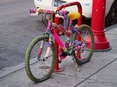 philadelphia street art   Philadelphia Urban Knitting