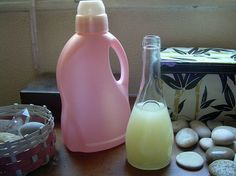 Como hacer jabon liquido casero para lavadora Handmade Soaps, Handmade Crafts, Diy Soaps, Cleaning Recipes, Natural Cleaning Products, Sunscreen, Clean House, The Balm, Shampoo
