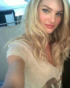 "VS Candice Swanepoel: ""Selfie VS"""