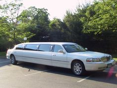 Sir Oliver Limousine 10 Passenger Lincoln- Holds max of 8 adults