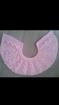 """diy_crafts- Bianca """"Discover thousands of images about Cok sık bir model elinize sagl"""", """"Examples of baby dress"""", """"This post was discovered Baby Knitting Patterns, Knitting Stitches, Baby Patterns, Crochet Patterns, Bead Crochet, Diy Crochet, Crochet Baby, Diy Crafts Knitting, Crochet Hooded Scarf"""