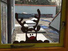 Zelfgemaakte raamversiering voor kerst.🎄
