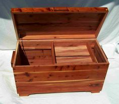 GRAHAM WOODWORKING - Cedar Chests (Idea for plans)