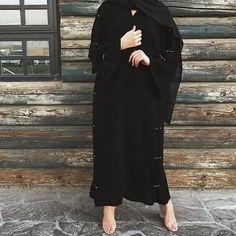 Dubai Fashion, Abaya Fashion, Modest Fashion, Fashion Outfits, Fashion Shoot, Modern Abaya, Arabic Dress, Conservative Fashion, Hijab Fashion Inspiration