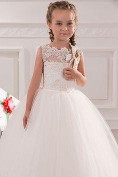 Cheap Sleeveless White Lace First Holy Communion Dresses 2016 Tulle Floor Length Kids Ball Gown Flower Girl Dresses For Weddings