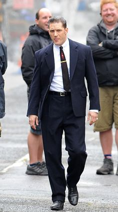 Tom Hardy on the set of Legend - London, Aug. 15th 2014 sexy ❤❤❤