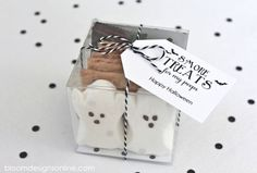 Halloween S'mores Kit: These have become such a popular wedding favor. For your Halloween wedding, try these using ghost-shaped Peeps instead of traditional marshmallows.