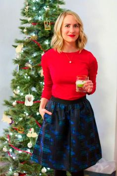 Casual+Chic Autumn & Winter Christmas party outfit, hostess outfit, gold monogram tumblers #ChristmasPartyOutfitsCasual #christmaspartyoutfitscasual Monogram Tumblers, Hostess Outfits, Christmas Party Outfits, Kardashian Style, Winter Christmas, Kendall Jenner, Casual Chic, Casual Outfits, Autumn
