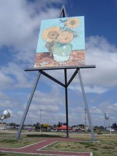 Top Ten {Tuesday} Odd Roadside Attractions I Want to See | Wee Share The Big Easel - KS