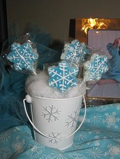 centerpieces for winter wonderland party   Onederland, Winter, Wonderland Party Ideas, ...   Holiday: Christmas ...
