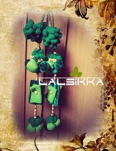 Diy Tassel, Tassel Jewelry, Diy And Crafts, Arts And Crafts, Saree Tassels, Crochet Wool, Bridal Blouse Designs, Thread Work, Beaded Embroidery
