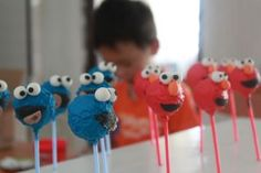 Cookie monster pops