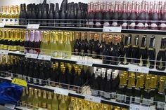Eckerö Market & Parfymeriasta hankit vaivattomasti tuliaisostoksesi ja jotain mukavaa myös itselle. Valikoimiin kuuluu niin huippukosmetiikka kuin laatuviinit ja -kuohuvat. #Eckeroline #Risteily #Shopping