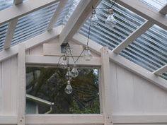 Lifestyle-blogi - Willa Lemmelle : Melkein... Ceiling Fan, Lifestyle, Outdoor Decor, Home Decor, Decoration Home, Room Decor, Ceiling Fan Pulls, Ceiling Fans, Home Interior Design