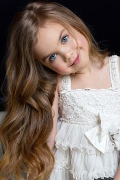 New Children Photography Girls Beautiful Pictures Baby Photos Ideas Blonde Babys, Blonde Baby Girl, Baby Girl Blue Eyes, Beautiful Little Girls, Cute Little Girls, Beautiful Children, Beautiful Babies, Blonde Photography, Baby Girl Photography