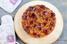 cozonac floare cu nuca si gem de caise reteta video de cozonac floare cu nuca Pepperoni, Pizza, Recipes, Food, Kitchens, Romanian Recipes, Salads, Essen, Eten