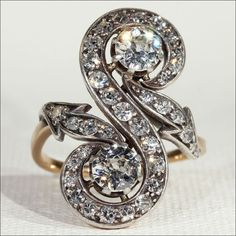 Antique French Diamond Toi et Moi Ring with Arrows, c. 1890 18k Gold and Silver - VIDEO by VictoriaSterling on Etsy https://www.etsy.com/il-en/listing/224593873/antique-french-diamond-toi-et-moi-ring