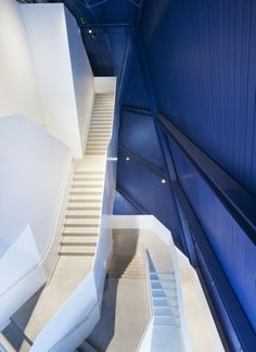 Escalier-Museum of Contemporary Art Cleveland by Farshid Moussavi Cultural Architecture, Architecture Details, Interior Architecture, Interior Design, Museum Architecture, Building Architecture, Design Museum, Art Museum, Moca Museum