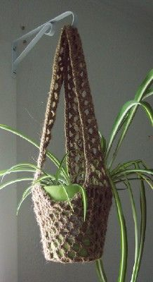 Plant Hanger - No pattern but a great inspiration for a DIY