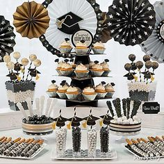 Give the graduates a classy spread of black, silver and gold sweet treats! Click through for ideas featuring the iconic mortarboard in favorites like cupcakes, cake pops, candy and more!