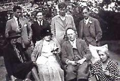 Auberon Duckworth; Duncan; Julian; Leonard Woolf.  Front Virginia Woolf; Lady Margaret Duckworth; Clive; Vanessa.