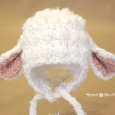 Repeat Crafter Me: Crocheting    Darling Lamb hat!  Lots of sizes available, and the pattern is free!!