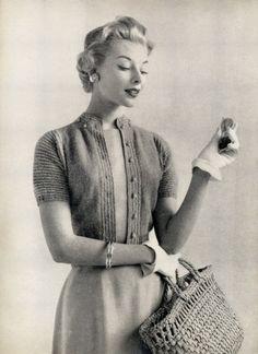 Vintage style. 1950's. Cardigan. White gloves. 50er Jahre. #vinsinn www.vinsinn.com
