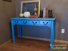Blue Chalkpainted Table http://www.restorationredoux.com/?p=527