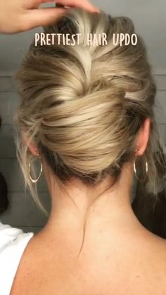 Bun Hairstyles For Long Hair, Pretty Hairstyles, Hairdos, Girl Hairstyles, Medium Hair Styles, Curly Hair Styles, Hair Upstyles, Great Hair, Hair Videos