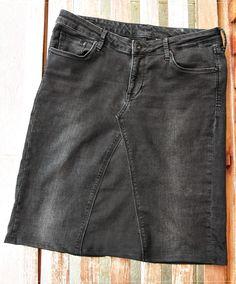 Was macht man mit einer Jeans, die zwar obenrum passt, deren Beine aber viiiiiel zu eng sind?   Richtig - einen Jeansrock!   Orientiert habe...