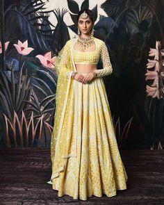 Raw Silk Lehenga, Yellow Lehenga, Sangeet Outfit, Lehenga Designs, Saree Blouse Designs, Lehenga Choli Online, Sherwani, White Silk, Embroidered Blouse